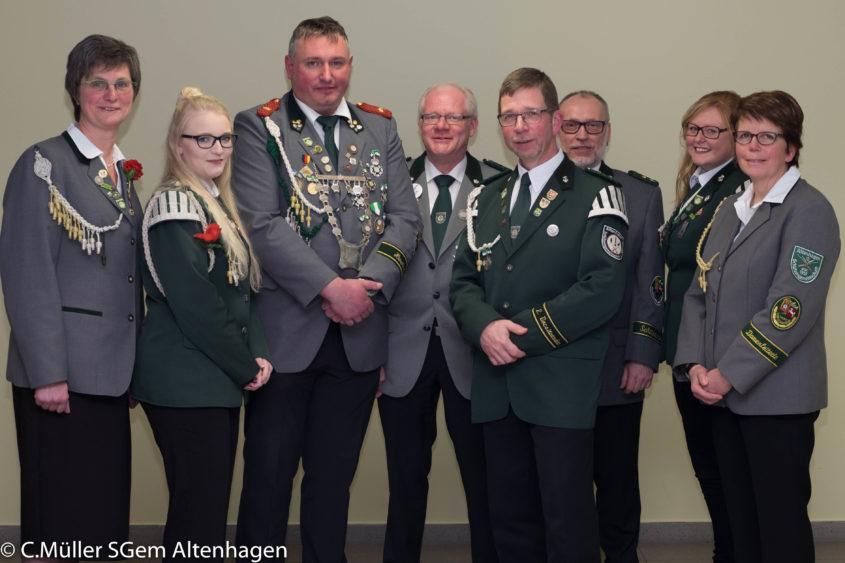 Willi Böse ist neues Ehrenmitglied Am 19.01.2018 fand die Mitgliederversammlung der Schützengemeinschaft Altenhagen statt. Ein großer Tagesordnungspunkt in diesem Jahr waren die Wahlen einiger Vorstandsmitglieder...